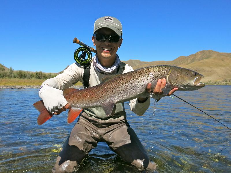 Fish mongolia taimen fishing for Fly fishing mongolia
